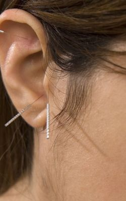 ear acupuncture cropped